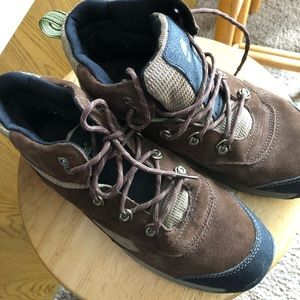 Timberland hikers wore a couple times great boots